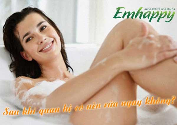 Sau khi quan hệ có nên rửa ngay không? Những bật mí từ chuyên gia