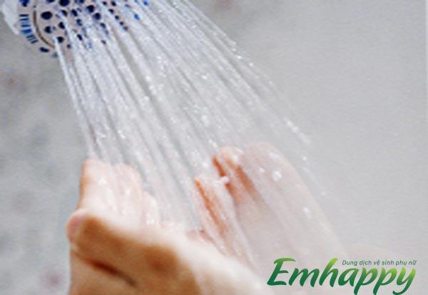 2. Cách vệ sinh hàng ngày khi vùng kín bị viêm nhiễm